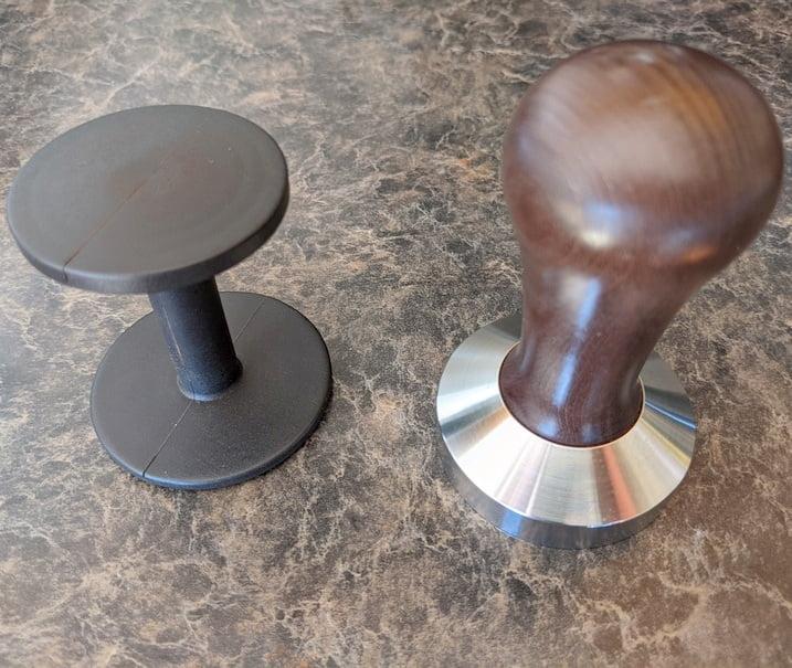 plastic tamper vs metallic tamper